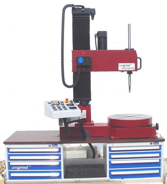 unigrind STM 500 с одним наклонным столом