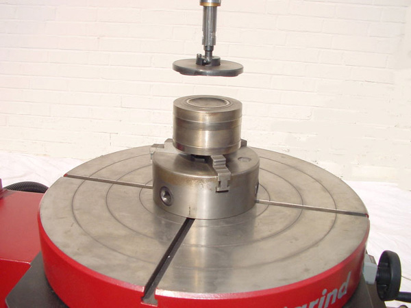 обработка золотника клапана на unigrind STM 500